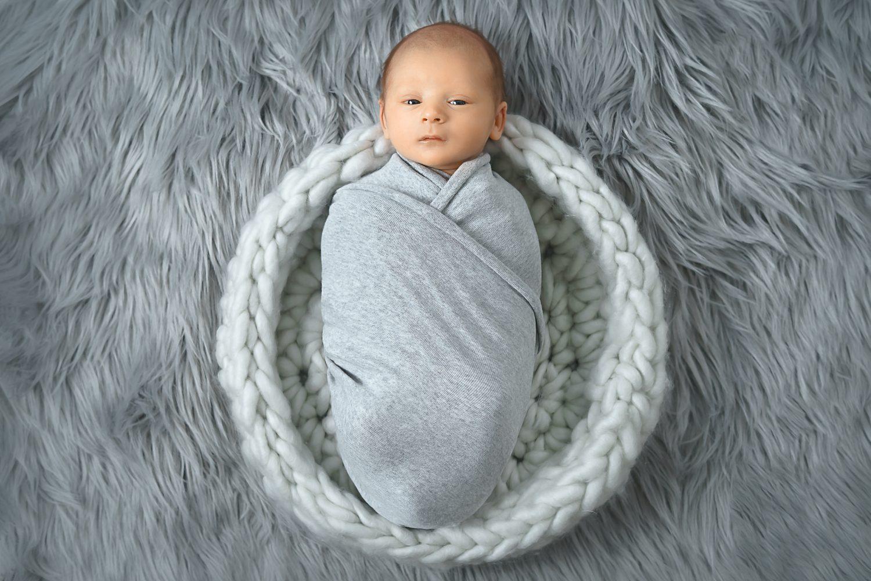 Boy newborn photos 4