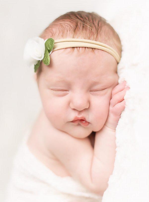 nj-newborn-portaits-all-white-03