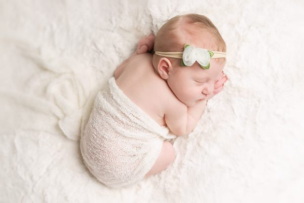 nj-newborn-portaits-all-white-05
